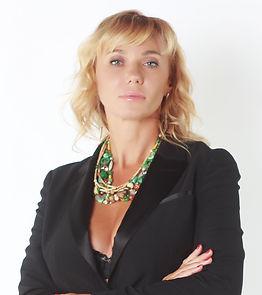 Натали Вега - ведущая тренингов и семинаров по магии