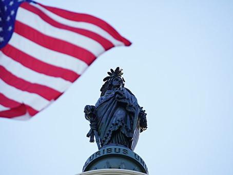 法轮大法日 美国国会升旗致敬李洪志先生