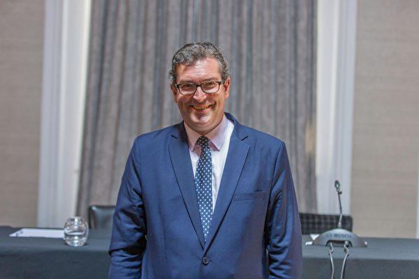 6月17日,英国保守党人权委员会副主席、非政府组织《香港观察》主席本·罗杰斯(Ben Rogers)也出席了法庭宣判。(冠奇/大纪元)