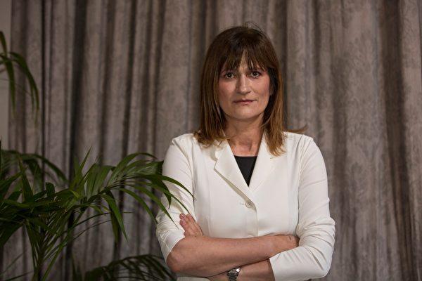 6月17日,阿姆斯特丹的欧洲问题专家Nevenka Tromp博士也出席了开庭,她说,法轮功团体是活摘器官的最大受害群体。(冠奇/大纪元)