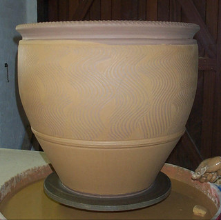 Slipped and combed pot
