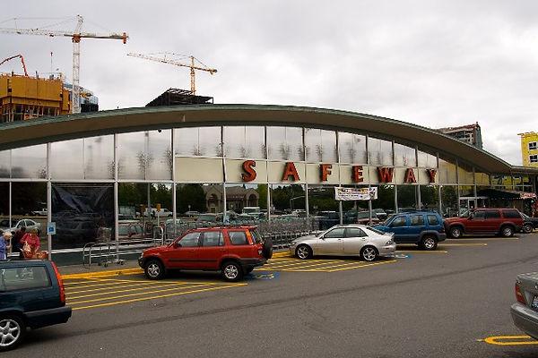 Bob-Life_in_Seattle_-_Bellevue_Safeway_1