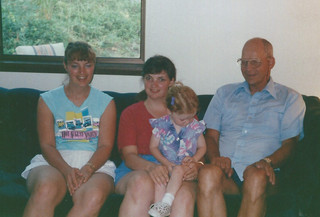Aug - Kath, Linda, Fiona, Dad