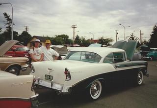 Bob & Frank Lind & his car