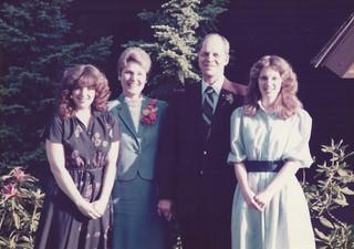 Linda, Linda, Dad, Kath