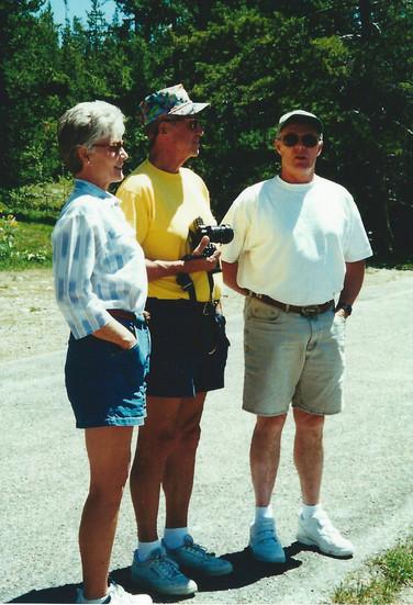 June - Linda,Dad,Bob