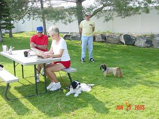 June-Dad,Linda,Bob, dogs