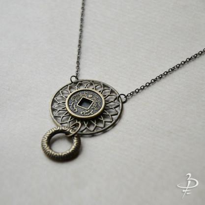 "Collier pendentif ""Soleil levant"""