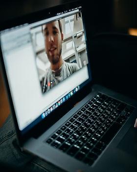 turned-on-macbook-3205403.jpg