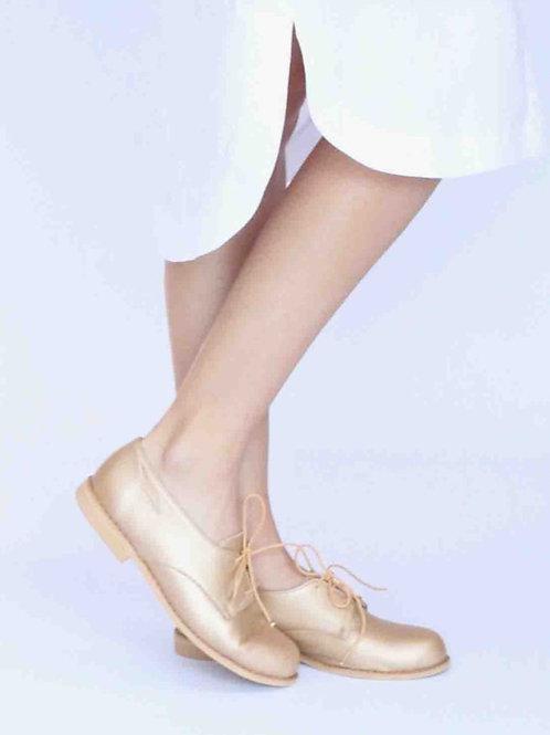 Feminine Leather Vellies - Gold
