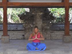 SatsangYoga-Brooks-Bali-Meditation-01-800x600.jpg