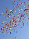 balloons_color_sky-621490.jpg!d.jpeg