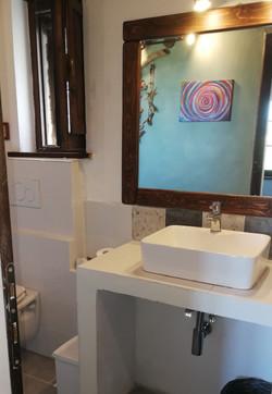 Le rose bathroom