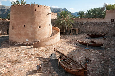 1280px-Khasab_Castle_Musandam_Oman.jpg