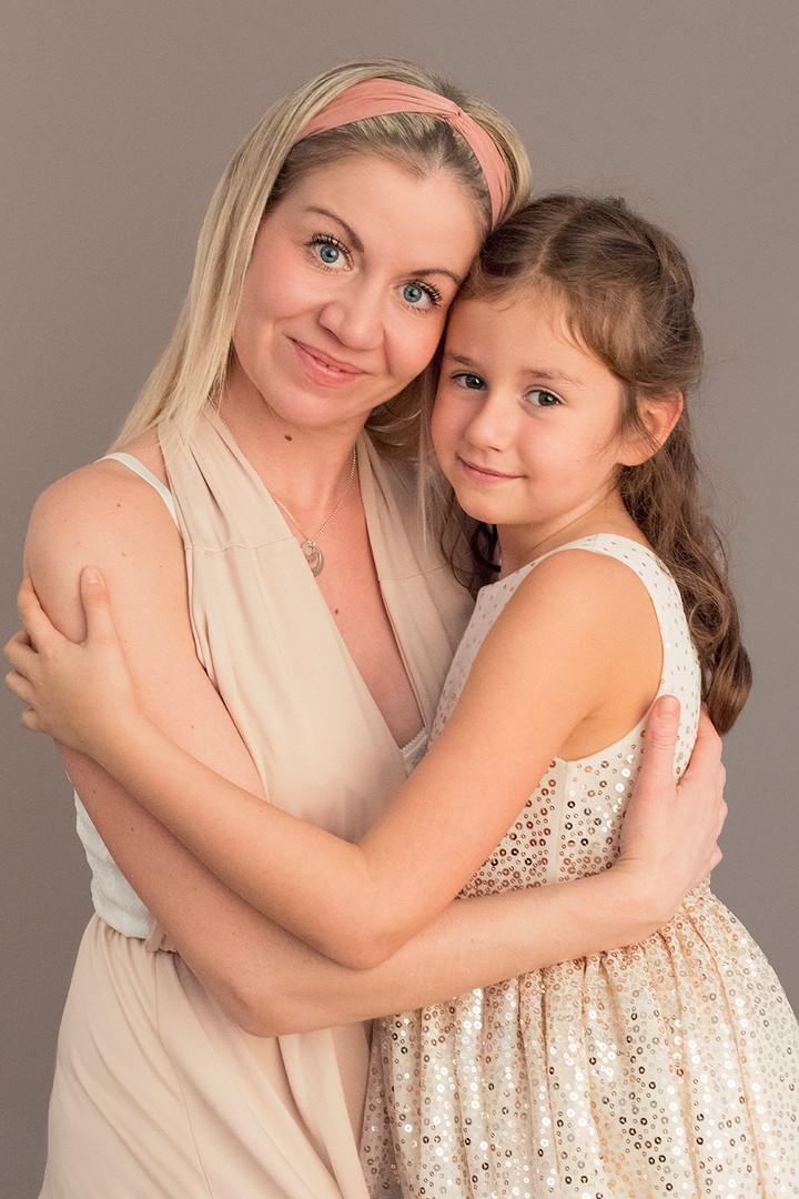 mor-og-datter-i-studio.jpg