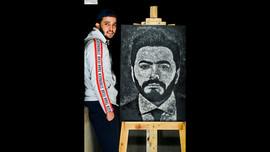 شاب مصري يرسم لوحات مدهشة بملح الطعام !