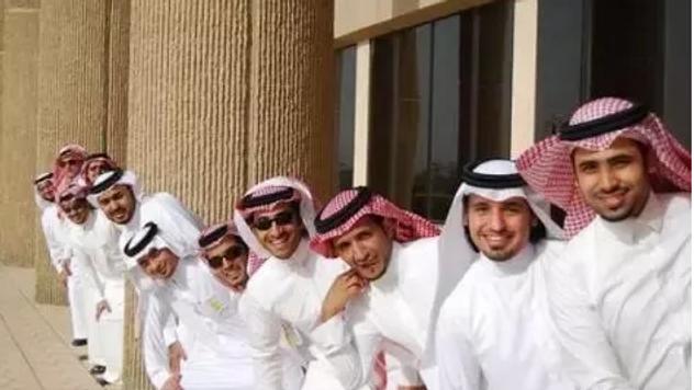 السعوديون سائقون في أوبر!
