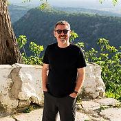 Neil Travel Photographer.jpg