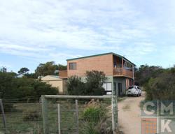 coles bay house 02.jpg
