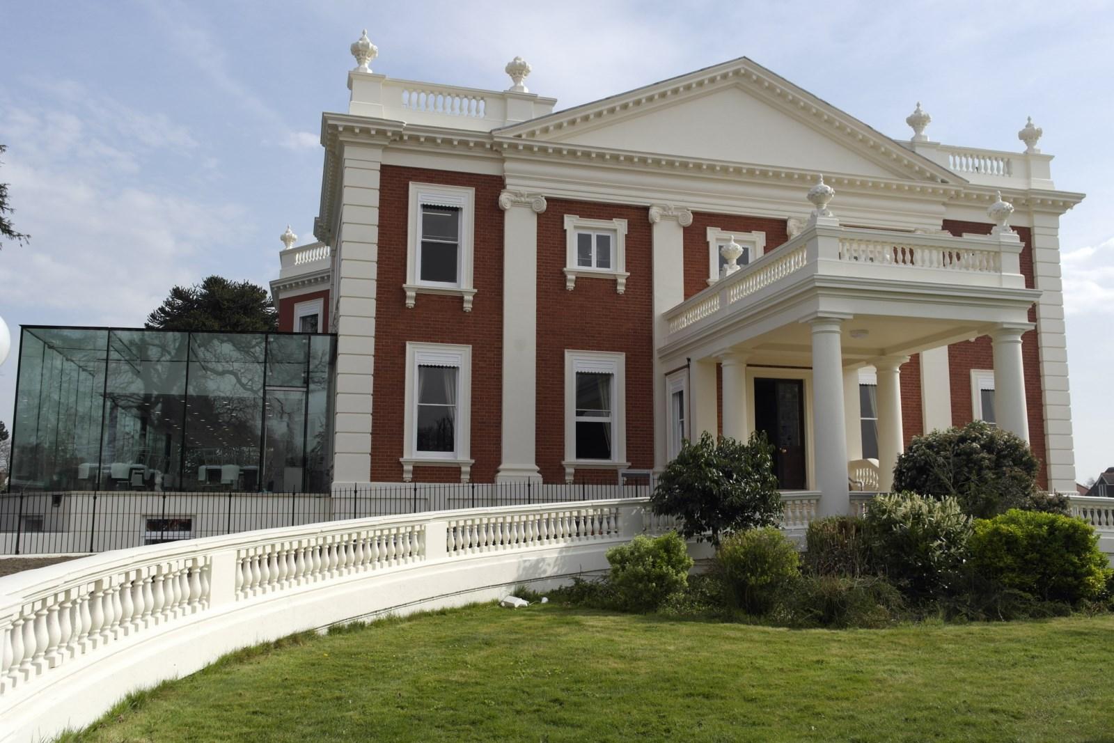 Mansion House, Sunbury
