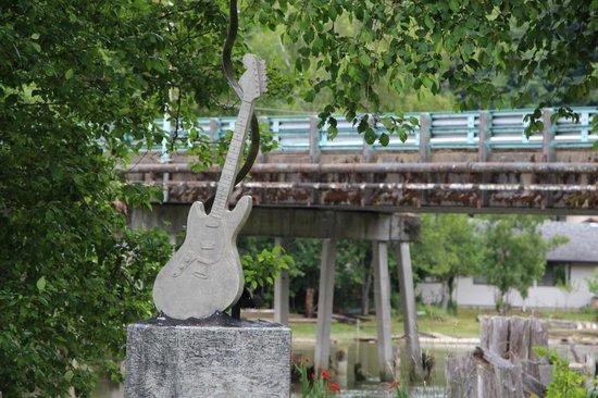 kurt-cobain-memorial