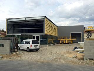 Atelier, entrepôt et bureaux - Entreprise de menuiserie - ARNAS (69)