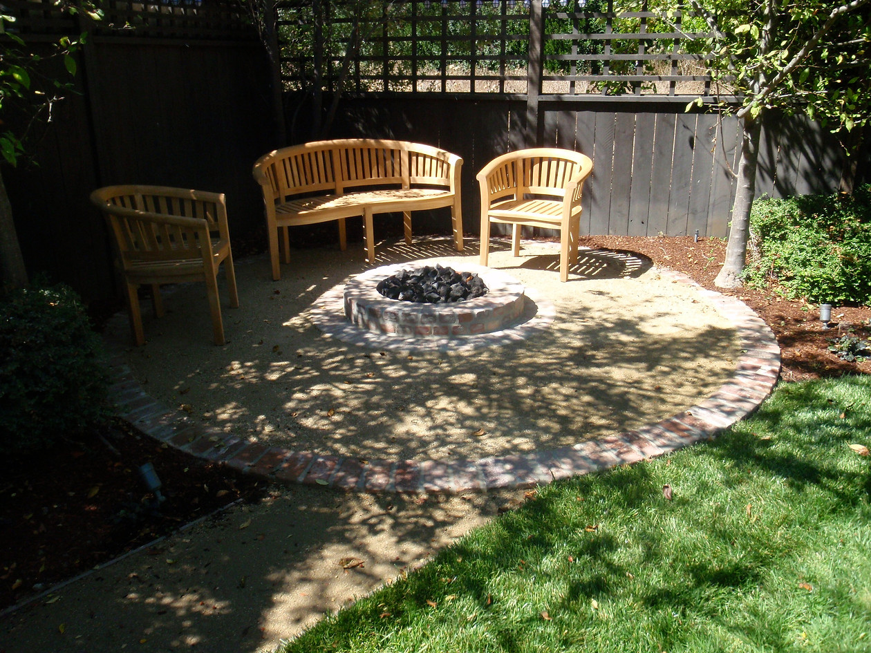 Brick fire pit-DG patio2.jpeg