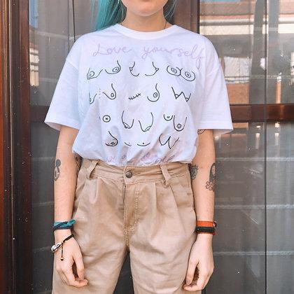 """Camiseta """"love yourself"""""""