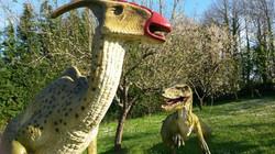 Parasaurolofo e Dromeosauro