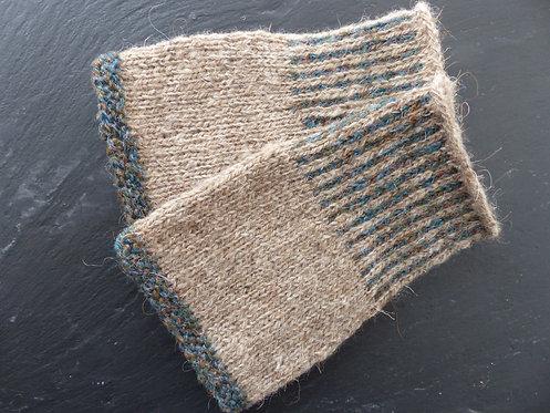 Stone/Green Wool Wristlet