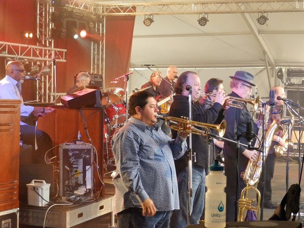 Having fun and rocking the house, Tower Of Power day 2