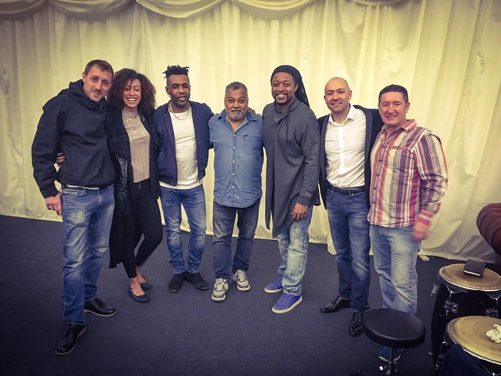 w/Kenny Thomas, Bluey, Omar and members of Drizabone