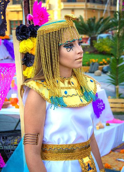 Cleopatra, Day of the Dead / Cleopatra en el Día de los Muertos D-203