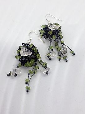 peridot_earrings2a.jpg