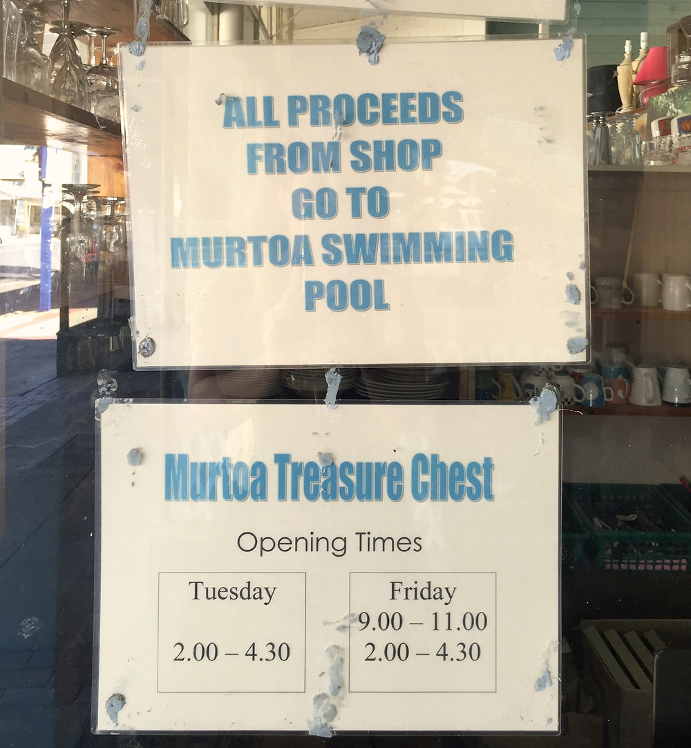 IT WAS HOT IN MURTOA TODAY AND PROBABLY WILL BE WHEN I RETURN DURING THEIR OP-SHOP OPEN HOURS.  JUST AS WELL THEY HAVE A SWIMMING POOL.  AND LOTS OF STICKY BLU-TAK.