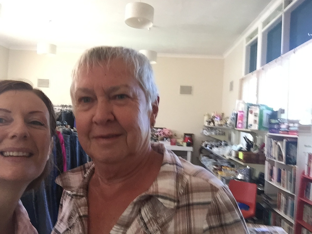 USUALLY CLOSED ON MONDAYS, THE LOVELY ROMA OPENED OMEO'S ANGLICAN CHURCH OPSHOP ESPECIALLY FOR ME :)  THANKS SO MUCH TO CHERYL FOR ARRANGING IT!