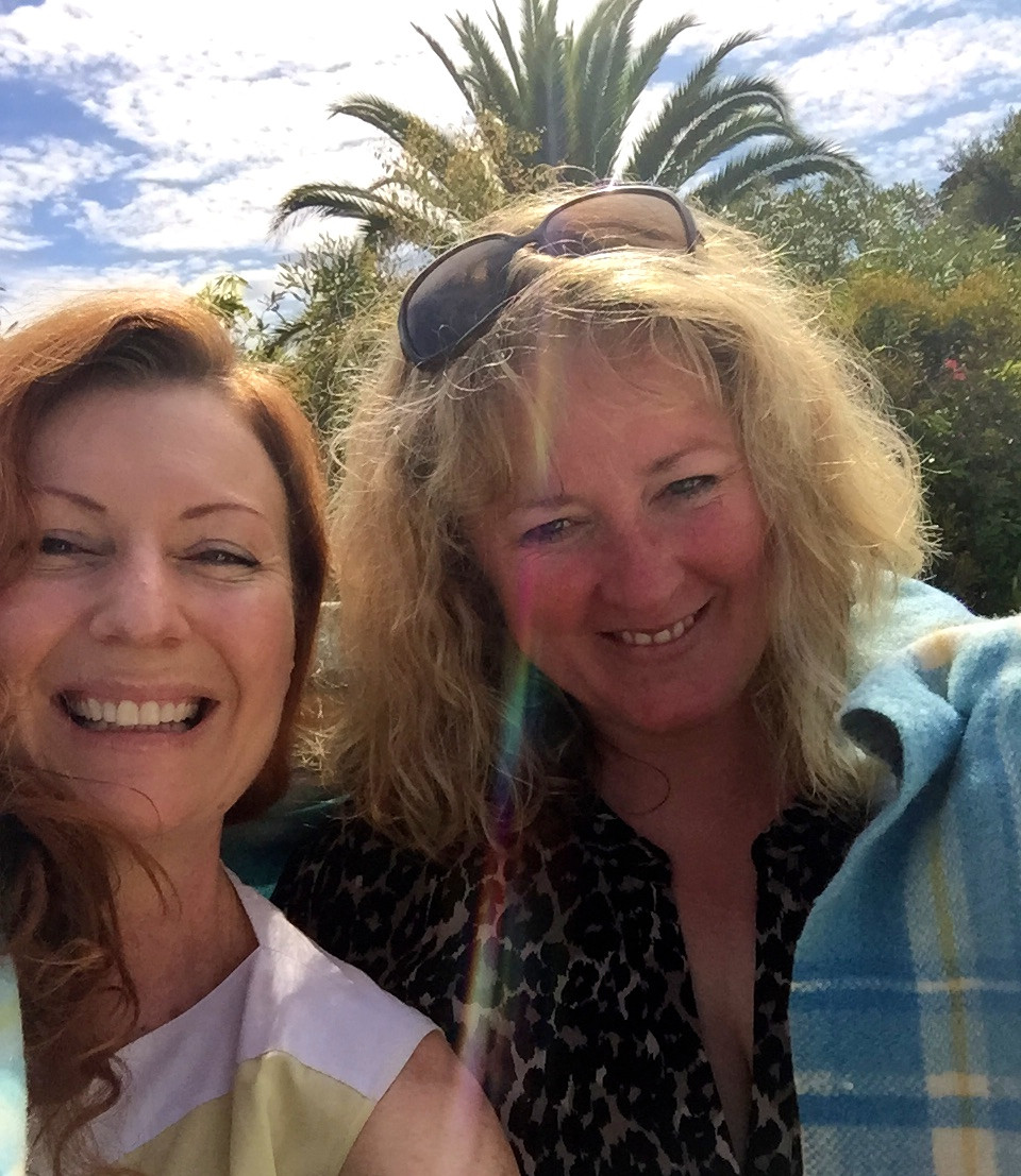 LAST NIGHT I REALISED I HAD MISSED CORINELLA ON MY PHILLIP ISLAND RUN.  OOPS!  A QUICK TEXT TO THE LOVELY KELLY, AUTHOR OF THE OP-SHOP GUIDE TO VICTORIA (MY BIBLE) WHO LIVES DOWN THAT WAY AND YES, SHE WAS FREE TO CATCH UP TODAY.  YAAAAAAY.