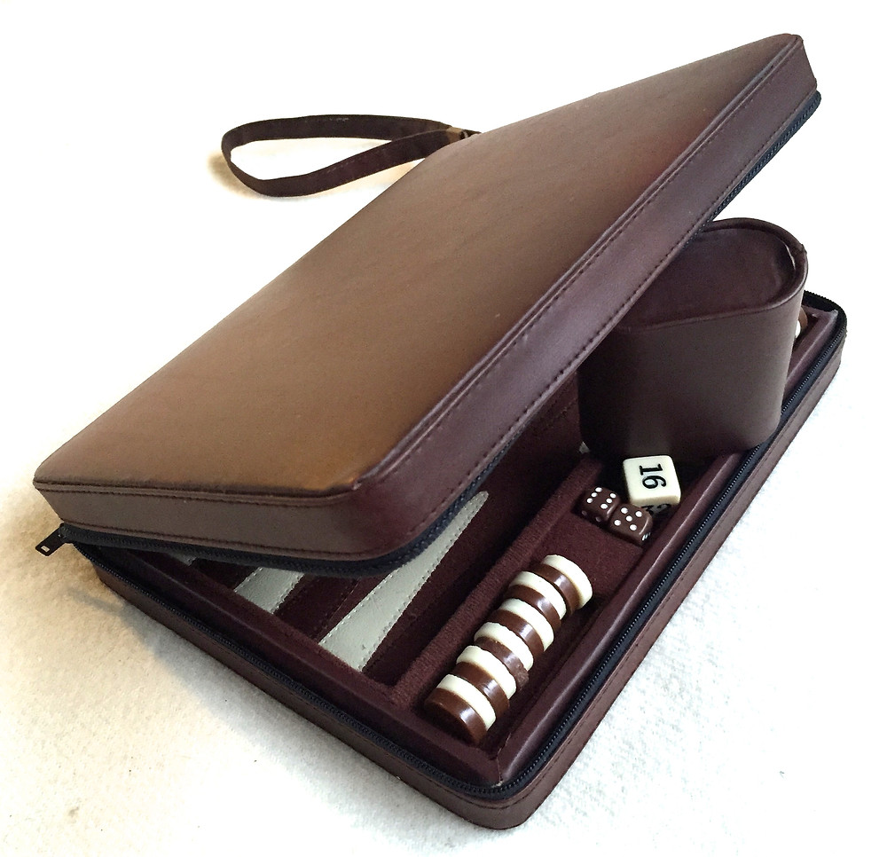 THE BEAUTY: BACKGAMMON ON THE GO