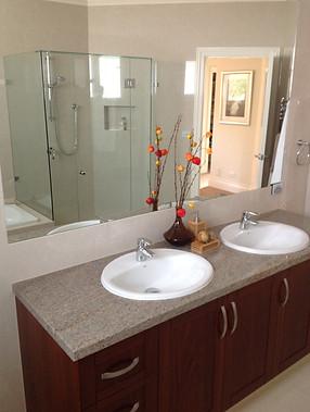 Rise Up Design - Bathroom