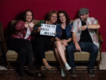 Vielen Dank an die Klimperstube e.V. in Hustetten, dass wir bei ihnen Fotos machen durften und an Jenni Kohler, unsere Fotografin.