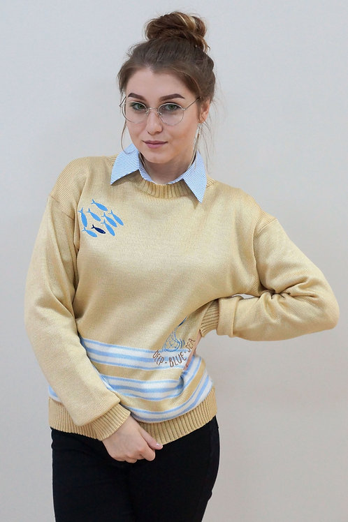 Полосатый свитер с вышитыми рыбками