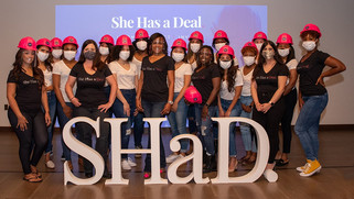 """Final Five Teams Vie for $50,000 prize in """"She Has a Deal"""""""