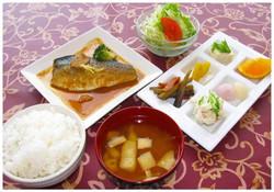 鯖味噌煮定食
