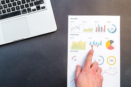 charts-data-desk-669614.jpg
