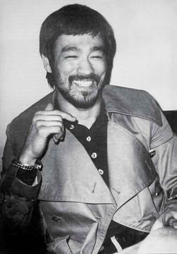 Bruce-Lee-bruce-lee-26743363-641-918.jpg