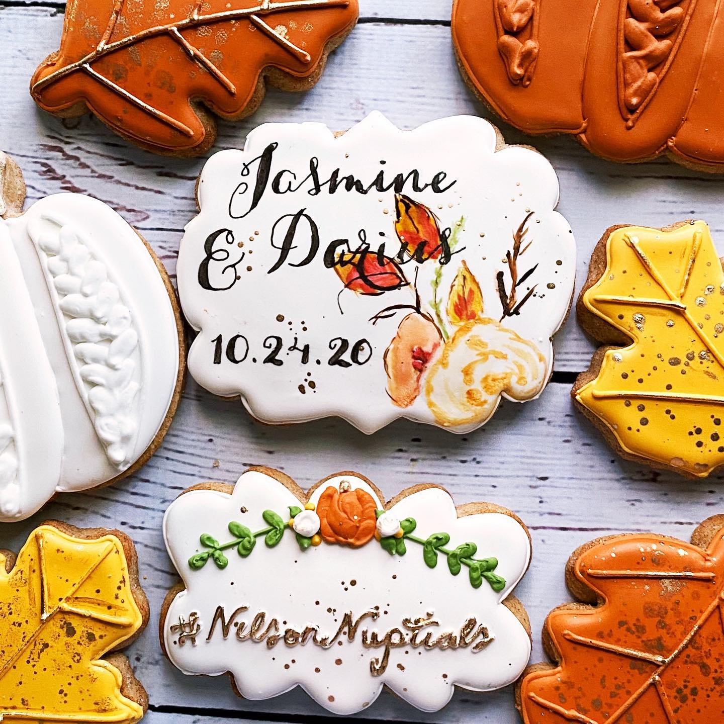 Fall in love cookie theme