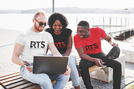 t-shirt-mockup-of-a-group-of-friends-using-a-laptop-44760-r-el2.png