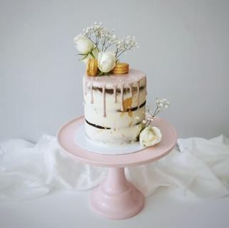 rosa Drip Cake