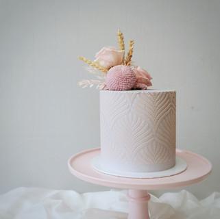 lila Torte mit Muster