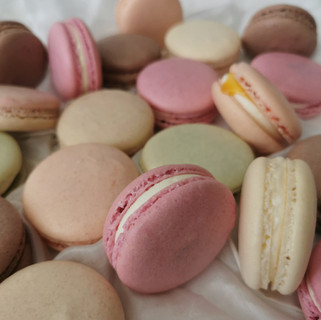 Macarons bunt